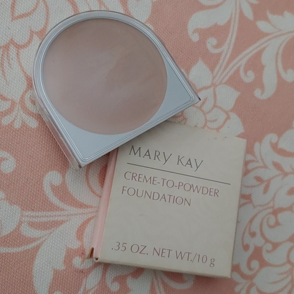 Mary Kay creme to powder foundation beige 4.0